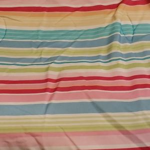 Reversibe Comforter with Curtains